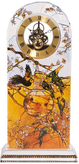 """Louis C. Tiffany: Tischuhr """"Sittiche"""" mit Golddekor"""