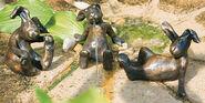 3 Hasen-Skulpturen im Set, Bronze