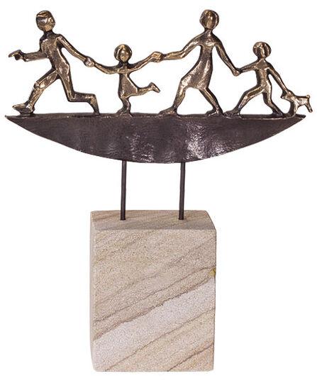 """Raimund Schmelter: Skulptur """"Unterwegs"""", Bronze auf Stein"""