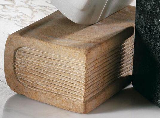 "Gunter Schmidt: ""Stone book"" made of sandstone"