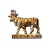 "Ancient Egyptian zodiac sign ""Taurus"" (21.4.-20.5.) pin brooch with a lucky stone."