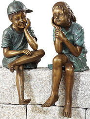 "set of 2 landscaping ""Sitting siblings"", copper alloy"
