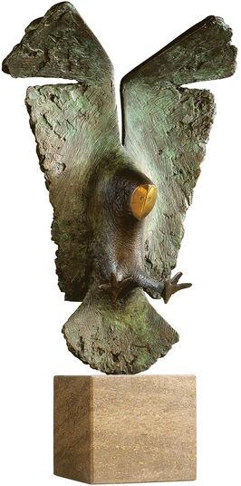 """Evert den Hartog: Skulptur """"Eule"""", Bronze auf Stein"""