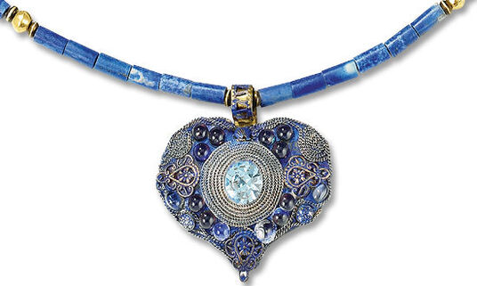 Petra Waszak: Heart necklace 'Tribute to Emily' - after Gustav Klimt