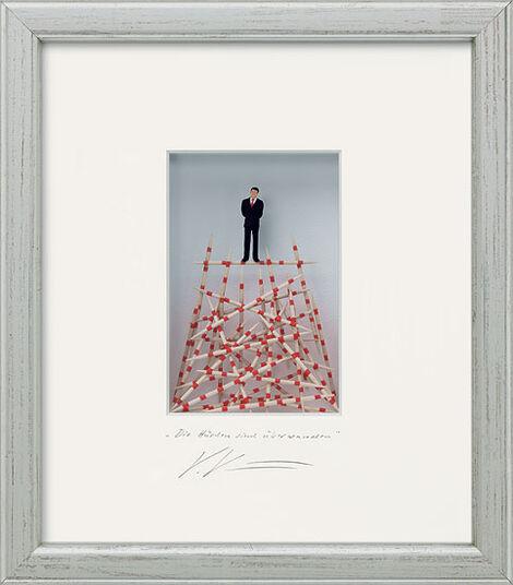 """Volker Kühn: Three-dimensional glass case """"The hurdles are overcome"""""""