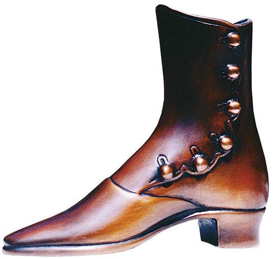 "H. E. Walteroel: Sculpture ""Boots for Speedy"""