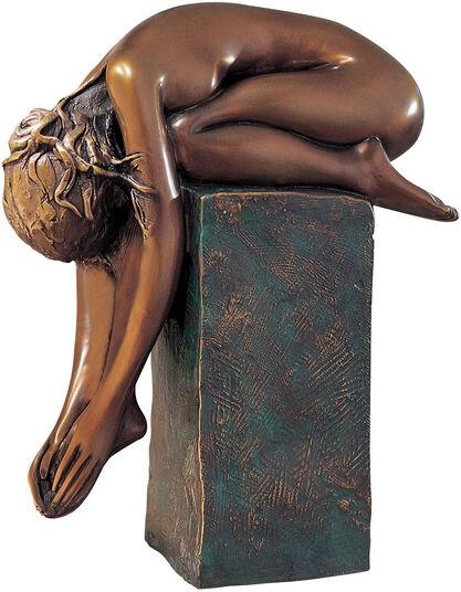 "Bruno Bruni: Sculpture  ""La Spina"" (1999), bronze on a pedestal"