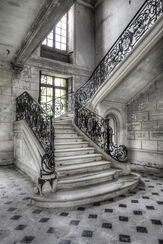 """Bild """"Vorderansicht einer Treppe"""""""