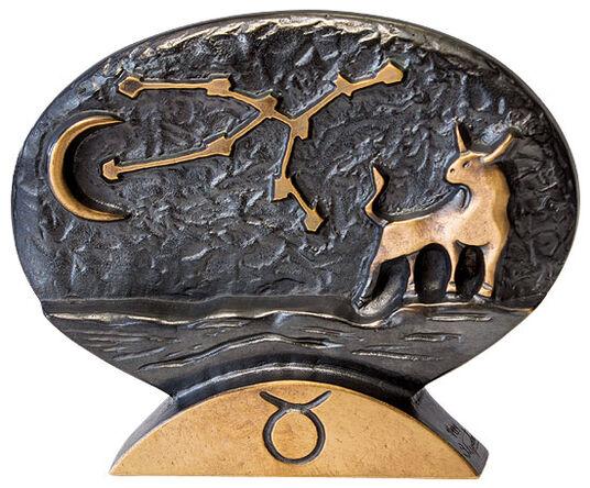 """Bernardo Esposto: Zodiac sign sculpture """"Taurus"""" (21.4.-20.5.), bronze"""