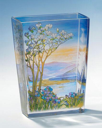 "Glass Vase ""Landscape with Magnolia tree"""