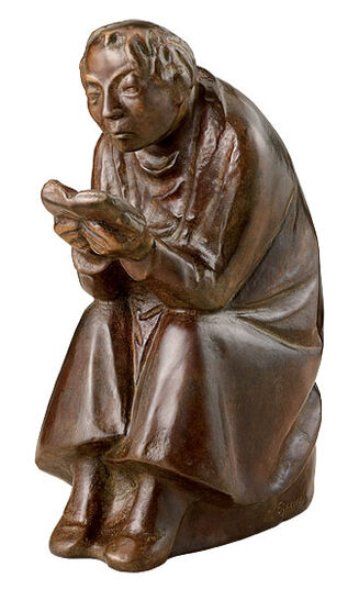 Ernst Barlach: Sculpture 'The Book Reader' (1936), reduction in bronze
