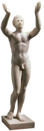 """Leochares: Statue """"Betender Ephebe"""" (Reduktion), Version in Kunstmarmor"""