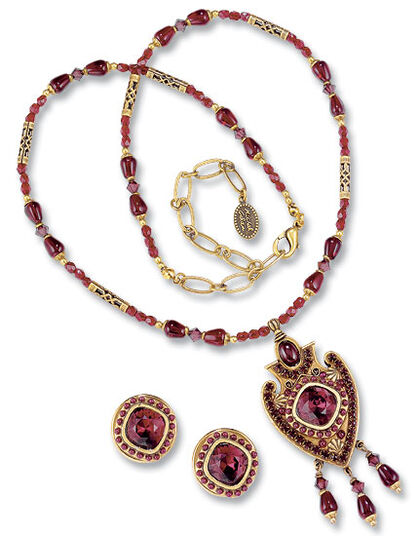"Michal Golan: Jewelry set ""Vessel of Love"""
