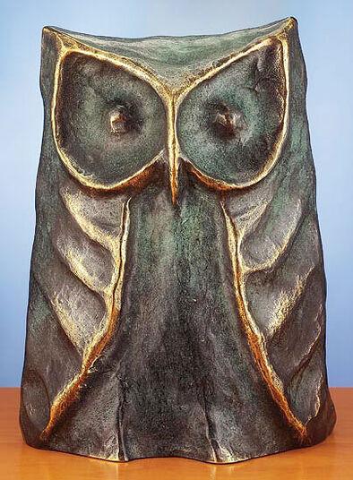 Thomas Pelzel: Sculpture 'The Eagle Owl – Bird of Wisdom', bronze