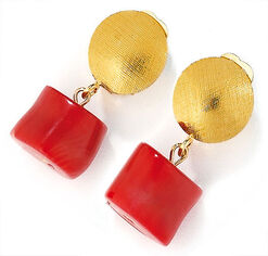 Clip earrings 'Passion' with central cultivated coral
