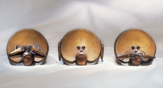 "Paul Wunderlich: Sculpture group ""I Do Not See – Do Not Hear – Do Not Speak"", bronze"