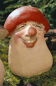 "Garden Figure ""The red hat cheerful tubers nose (Leccinum schnapsis ridiculum),"" stone molding"