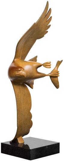 """Evert den Hartog: Skulptur """"Raubvogel mit Fisch Nr. 4"""", Bronze braun"""