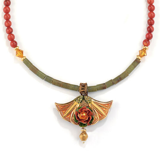 Petra Waszak: Necklace 'The Rosebush' with serpentine coral beads - after Monet