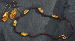 Shell jewelry set