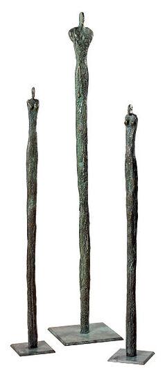 """Rosa Gillissen: 3 Skulpturen """"Säulenmenschen"""" im Set, Bronze"""