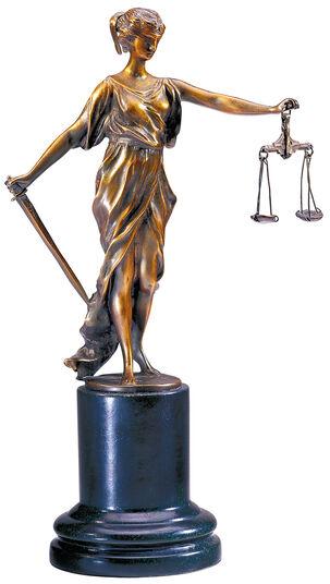 "Skulptur ""Kleine Justitia"""