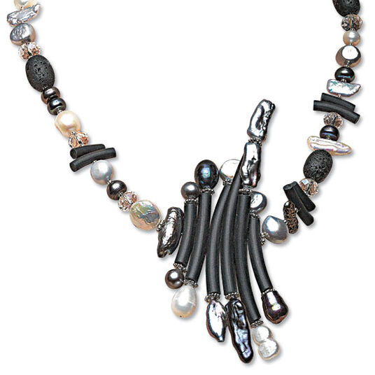 "Anna Mütz: Necklace ""Pearly Queen"""