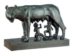 Sculpture 'Capitoline Wolf with Romulus and Remus' (reduction), art casting