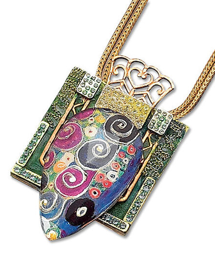 Petra Waszak: Necklace with pendant 'Maiden'