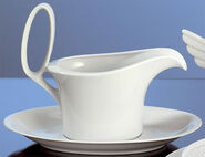 Sauce boat with saucer 'Myth'