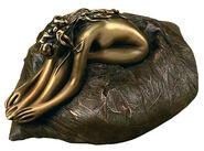 """Sculpture """"Auf dem Kissen"""", Bronze"""