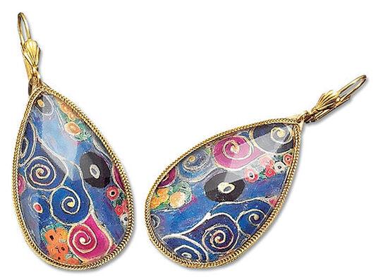 Petra Waszak: Earrings 'Maiden'