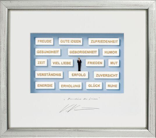 "Volker Kühn: Three-dimensional glass case ""Building Blocks of Life"""