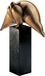 """Skulptur """"Kleine Grätsche"""", Bronze auf Steinsockel"""