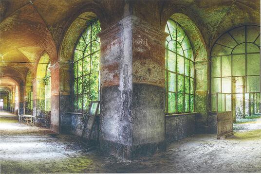 "Olivier Lacour: Bild ""Korridor"""