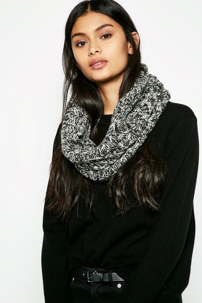 BYDALE CABLE TWIST KNIT SNOOD