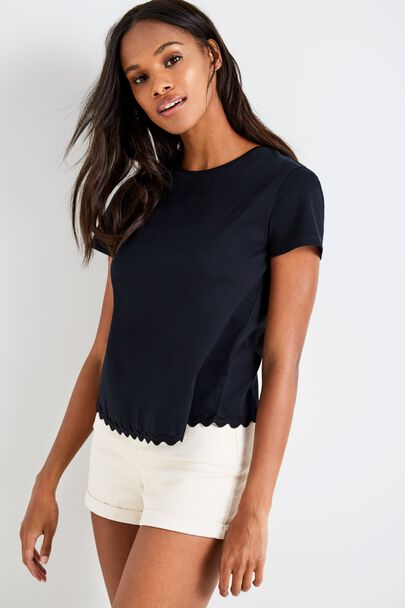 BRANCHILL SCALLOP HEM T-SHIRT