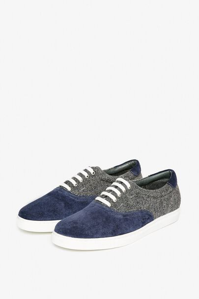 THORNTON LACE UP PLIMSOLLS
