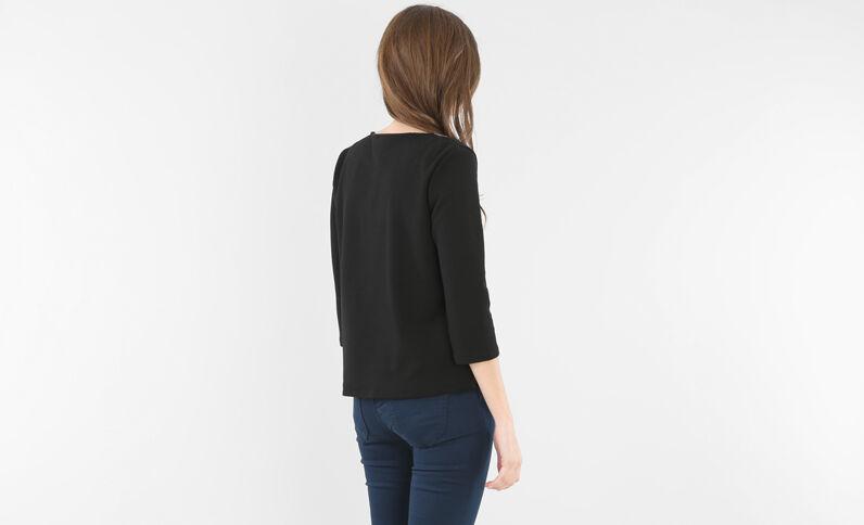 T-shirt collo gioiello nero