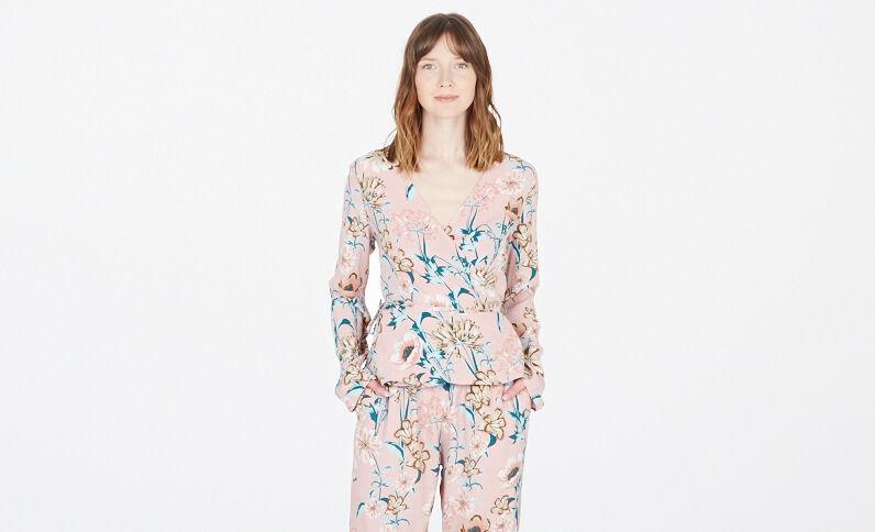 Camicia cache cœur a fiori rosa cipria