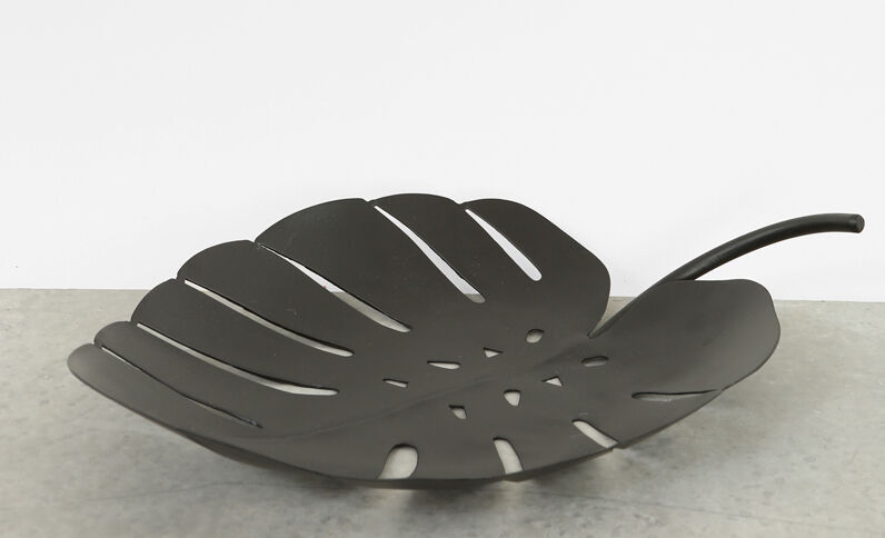Grote bladvormige schaal zwart