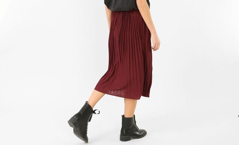 Falda midi plisada burdeos