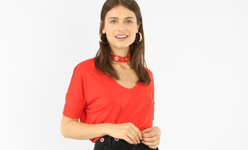 T-shirt met chokerhals met ringetjes rood