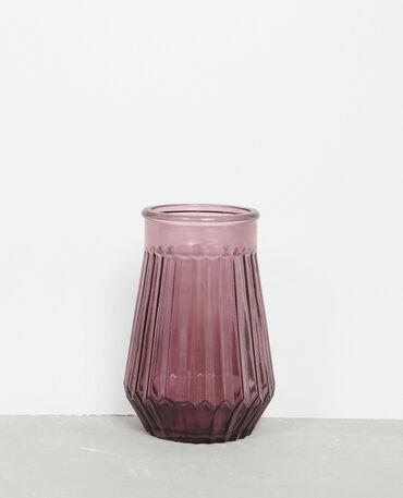Vase en verre coloré violet