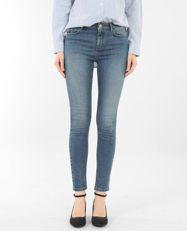 skinny jeans mit push up effekt ausgewaschenes blau. Black Bedroom Furniture Sets. Home Design Ideas