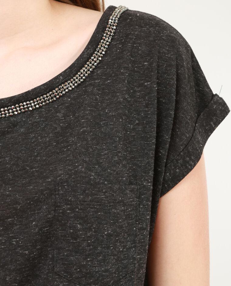Camiseta con cuello de estrás gris