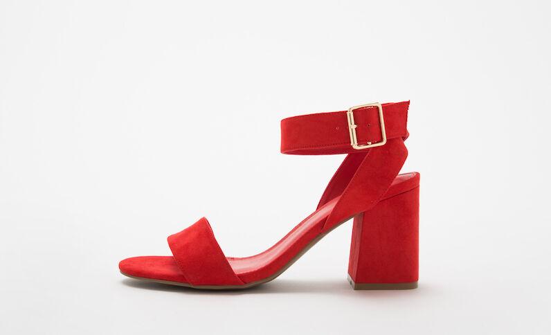 Rote Sandaletten mit viereckigen Absätzen Rot