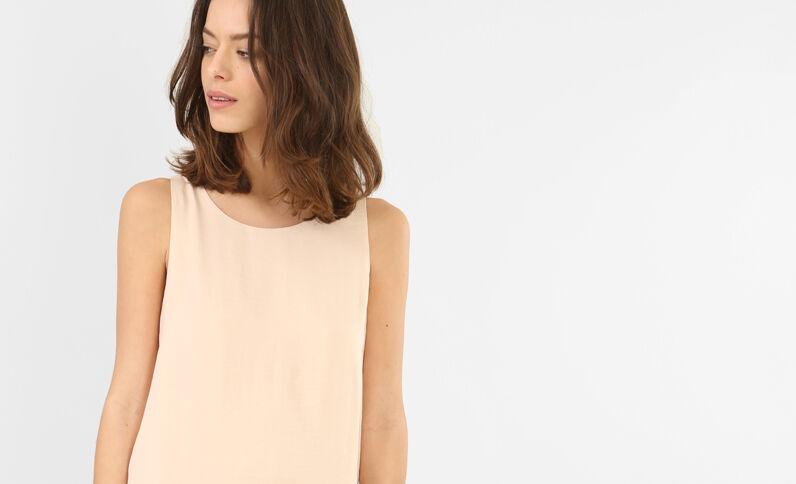 Satijnen jurk met pand bleekroze
