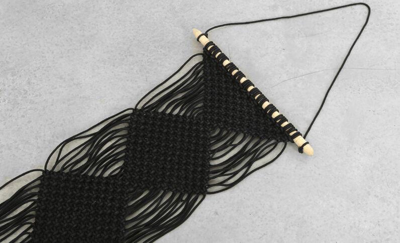 Suspension macramé à franges noir