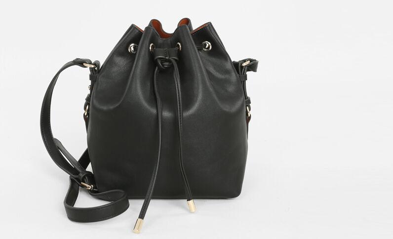 Bolso saco minimalista negro